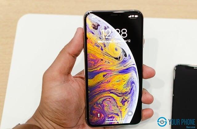 Nên thay ép kính iPhone XS ở đâu uy tín, chất lượng?