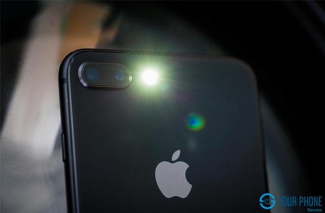 Giá thay camera sau iPhone 8 Plus hiện nay là bao nhiêu?