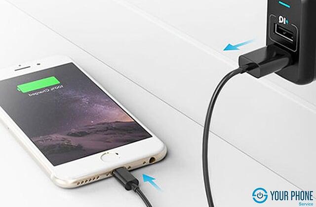 Cáp sạc hỏng khiến sạc iPhone không vào điện