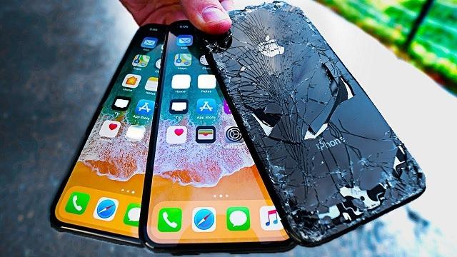 Mức giá màn hình iPhone XS Max chính hãng không hề rẻ, người dùng nên có biện pháp bảo vệ cho màn hình.