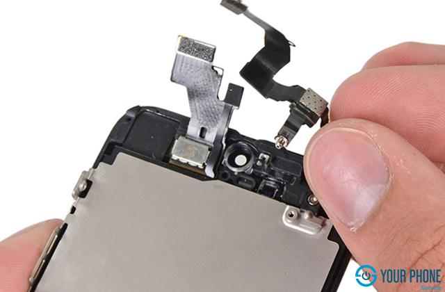 iPhone 5 đã cũ – Thay camera trước iPhone 5 có được không?