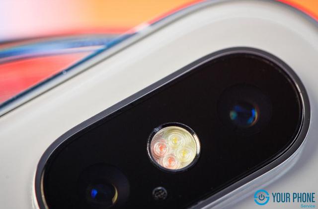 Lý do nào khiến chiếc bạn phải thay đèn flash iPhone X