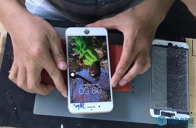 Thay màn hình iPhone tại Yourphone Service