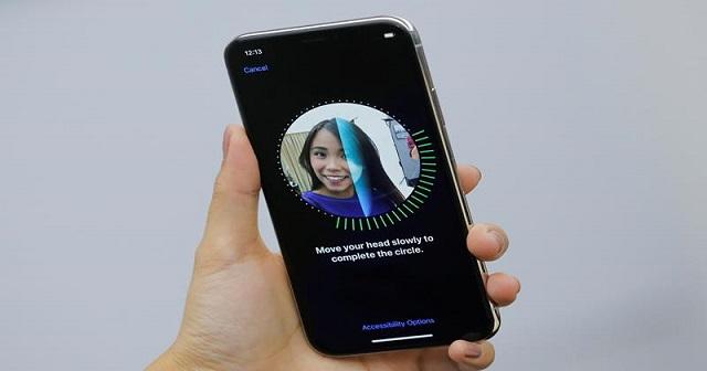 Màn hình máy iPhone 11 khi sử dụng Face ID bình thường