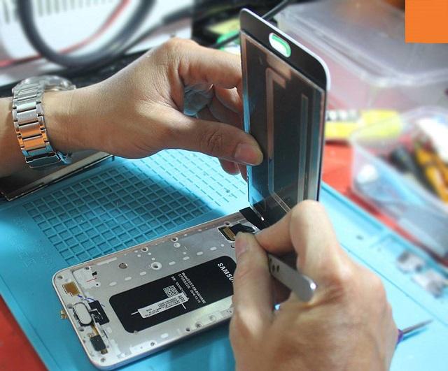 Yourphone thay ép kính Samsung Note FE uy tín, giá rẻ