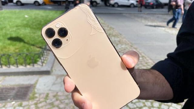 Tìm kiếm địa chỉ thay kính lưng iPhone 11 Pro Max rất cần thiết