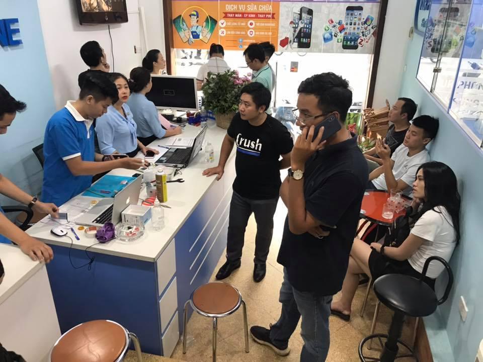 Yourphone - Trung tâm sửa chữa điện thoại uy tín tại Hà Nội