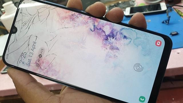 Thay màn hình Samsung A50 tại các trung tâm uy tín hiện nay