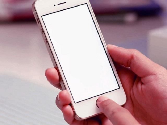Đâu là nguyên do dẫn đến hiện tượng trắng màn hình ở iPhone